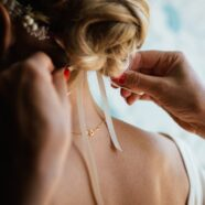 14 Idées de coiffure de mariage naturelle à faire pâlir d'envie
