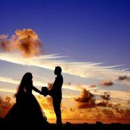 Pourquoi vous devriez envisager d'échanger des vœux avant votre mariage !