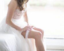 D'où vient la tradition de la jarretière lors d'un mariage ?